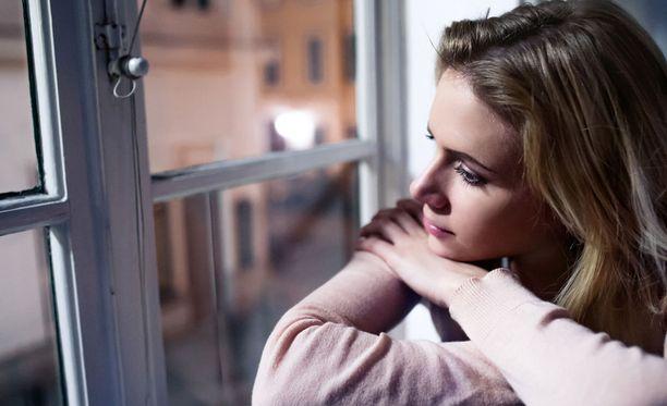 Liika valo yöllä voi pitää hereillä ja lisätä jopa sairastumisriskiä.