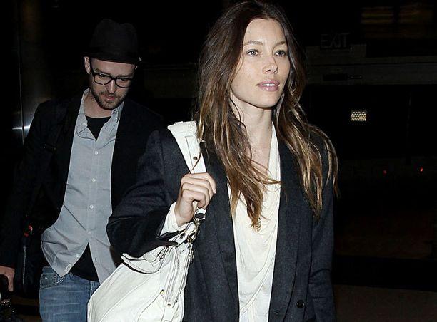 Jessica Bielin ja Justin Timberlaken suunnalta odotellaan vauvauutisia. Toistaiseksi pari ei ole kommentoinut raskaushuhuja.