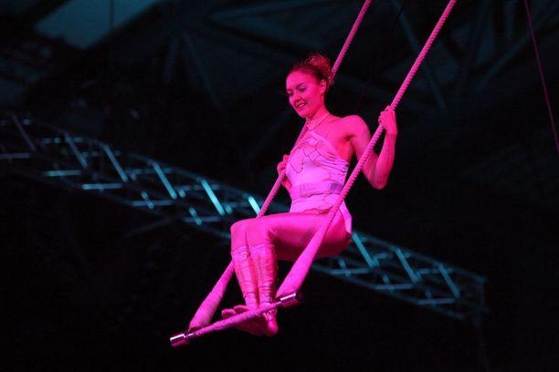 Akrobatiassa otetaan riskejä, vaikkakin hallitusti, sanoo Räsänen.
