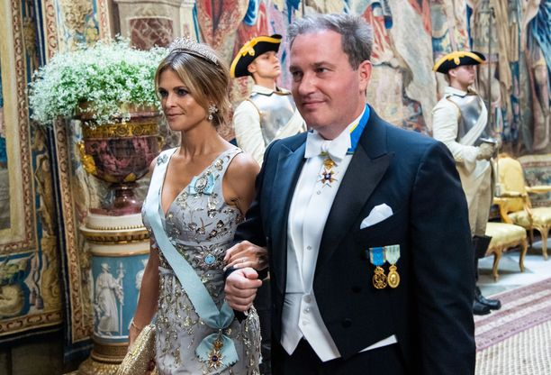 Chris O'Neill nähtiin yllättäen puolisonsa prinsessa Madeleinen rinnalla.