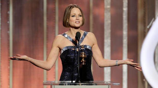 """Jodie Foster """"tuli kaapista"""" kritisoimalla kaapista tulemista."""