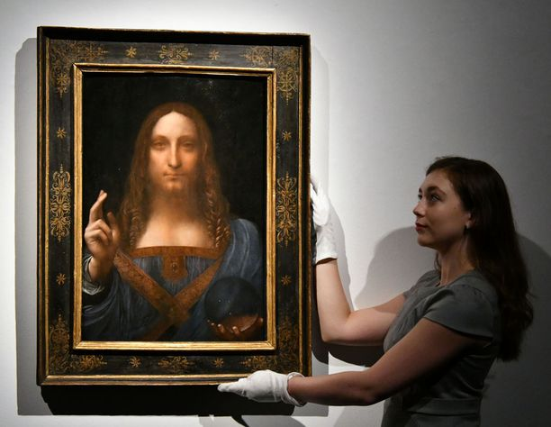 Salvator Mundi todettiin da Vincin työksi vuosikausia kestäneiden tutkimusten jälkeen. Hän ei koskaan signeerannut töitään.