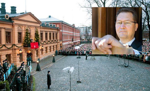 Joulurauha julistetaan Turun Vanhalta Suurtorilta.