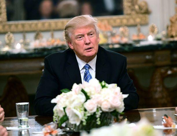 Donald Trump raivostui Meryl Streepin kritiikistä.