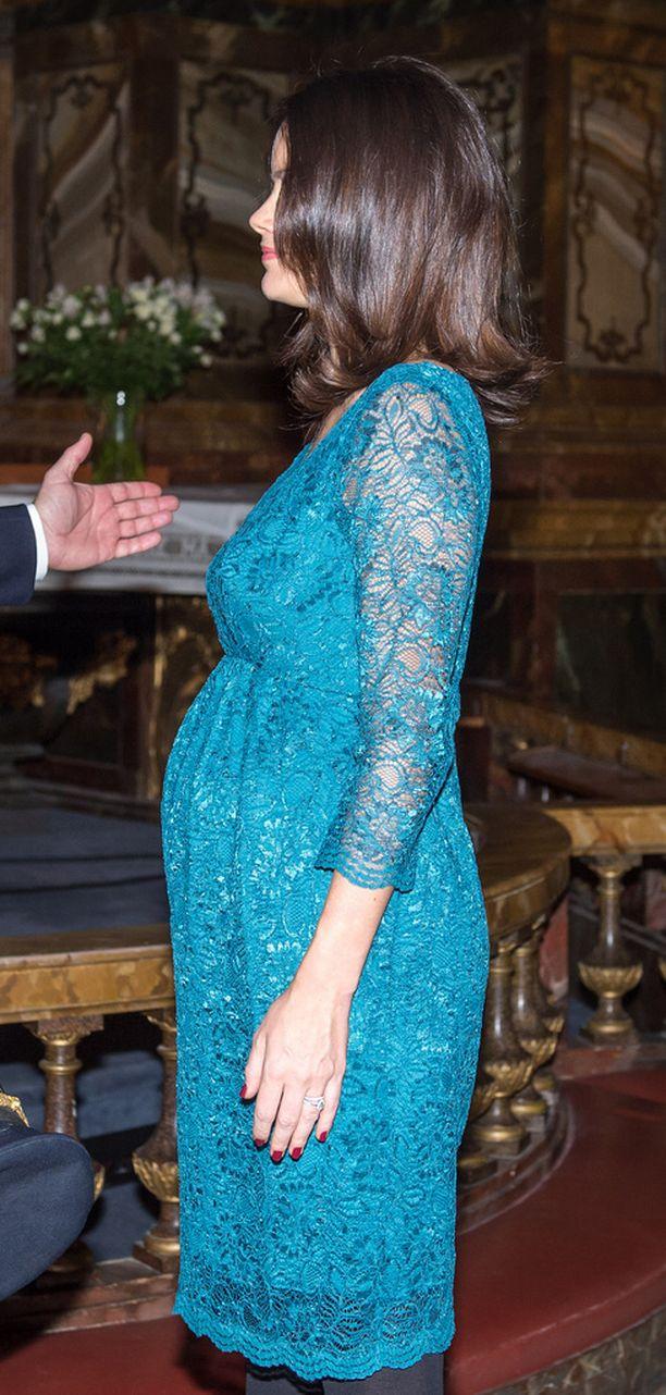 Sofian vauvavatsa näkyi pari viikkoa sitten järjestetyssä tilaisuudessa.