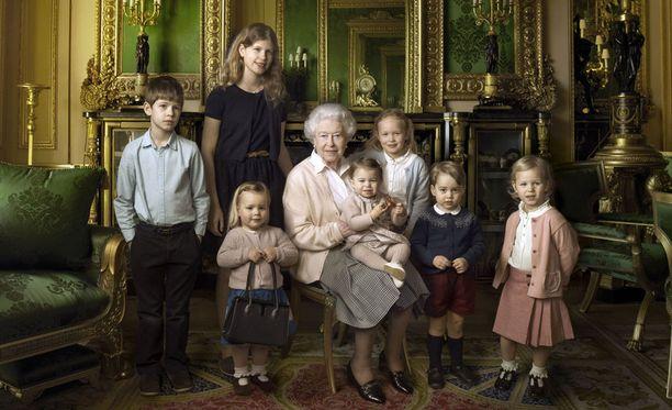 90-vuotias kuningatar Elisabet II on hallinnut Yhdistynyttä kuningaskuntaa kauemmin kuin kukaan edeltäjistään.