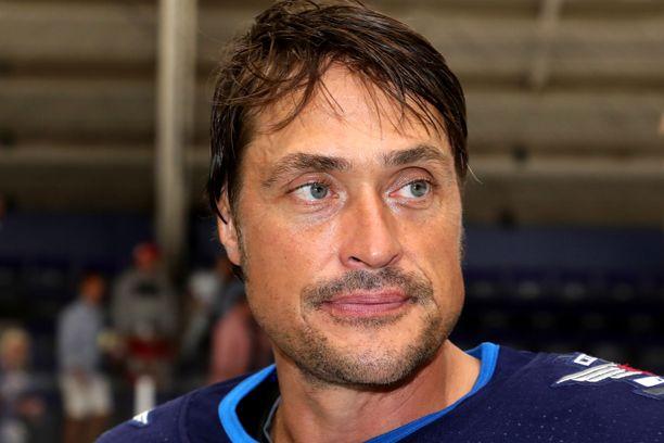 Teemu Selänne voitti NHL:n maalikuninkuuden kahdesti.