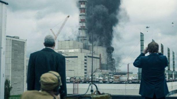 Tšernobylin onnettomuudesta on tehty kaksi kilpailevaa televisiosarjaa.