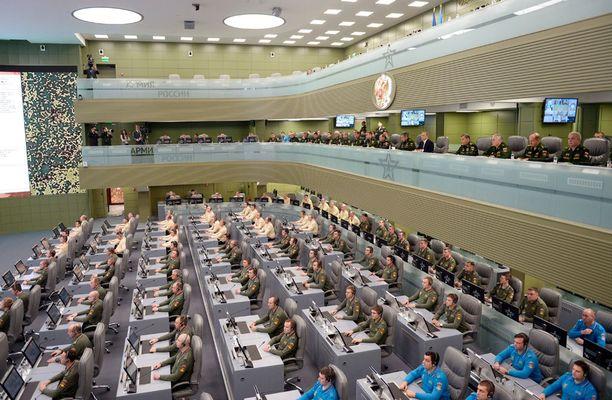 Komentokeskuksessa työskentelee tuhat ihmistä.