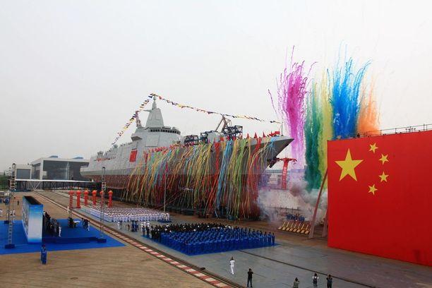 Uutta taistelualusta juhlittiin Shanghaissa keskiviikkona.