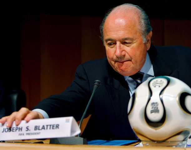 Lajin imago huolestuttaa Sepp Blatteria.