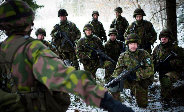 Poliitikoille ehdotetaan harjoituksia sodan varalta. Arkistokuva.