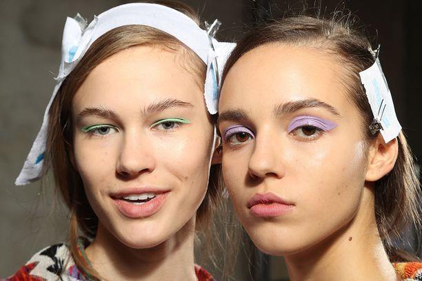 Missoni valitsi näytöksensä meikkityyliksi pastelliset luomet.