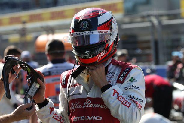 Kimi Räikkönen on jatkamassa uraansa.