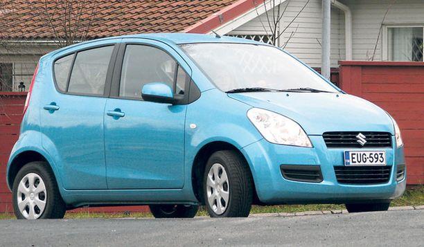 TILAIHME Suzuki Splash on toimiva kompromissi ketteryyden ja kuljetuskyvyn suhteen. Ensi vuonna 1.2-litran moottorin myötä luvassa on myös voimaa.