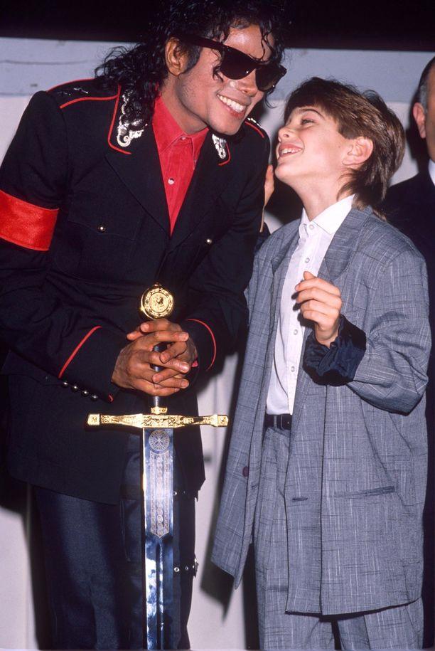 Jimmy Safechuck kertoo dokumentissa ihastuneensa täysin Michael Jacksoniin. Kuva vuodelta 1988.