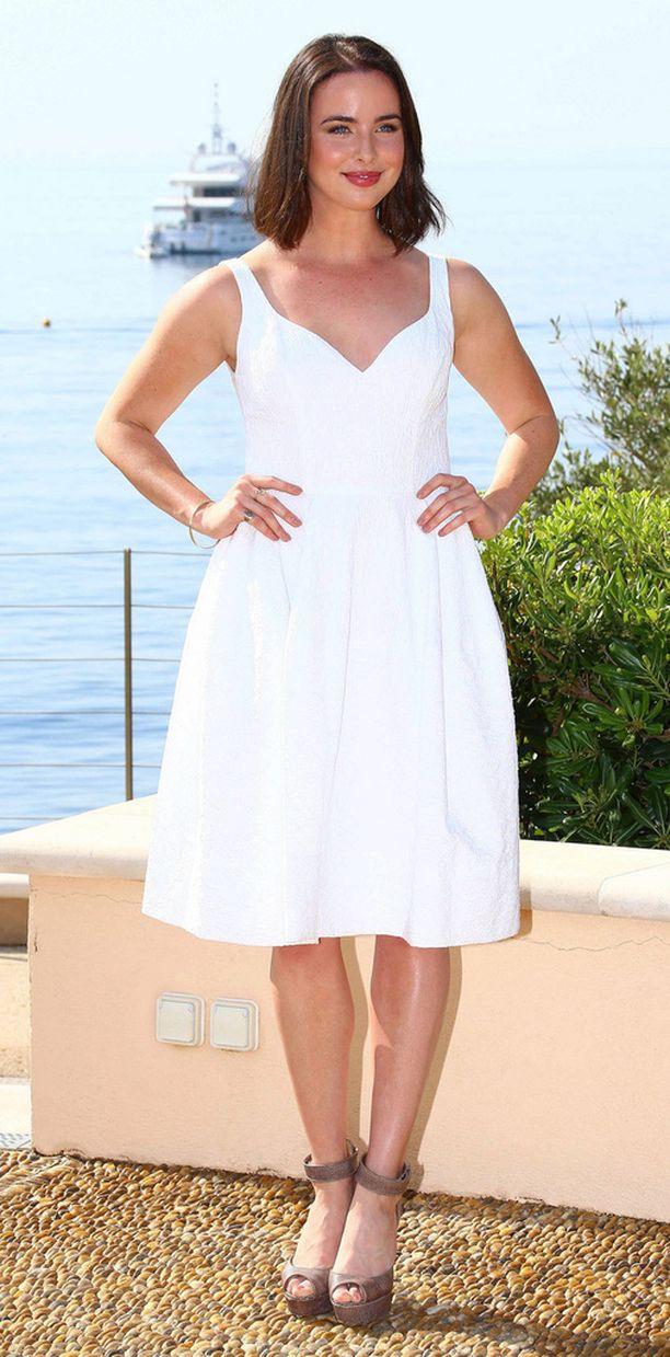 Australialainen Ashleigh Brewer on Kauniiden ja rohkeiden tuoreimpia kiinnityksiä. Hän näyttelee sarjassa Eric Forresterin siskontyttö Ivy Forresteria.