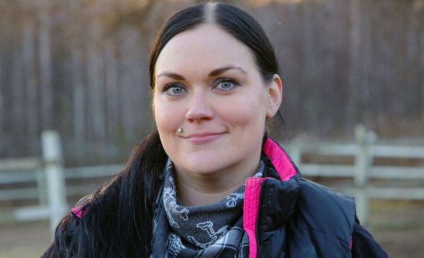 33-vuotias Laura on ammatiltaan eläinlääkäri.