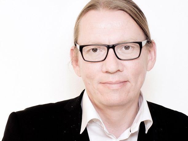 Vihreiden entinen puoluesihteeri Panu Laturi ryöstettiin ja pahoinpideltiin Brysselissä viime joulukuussa.