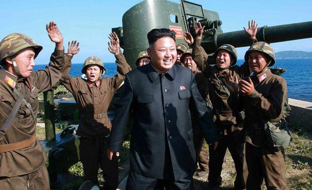 Elokuva kertoo Pohjois-Korean Kimin murhayrityksestä.
