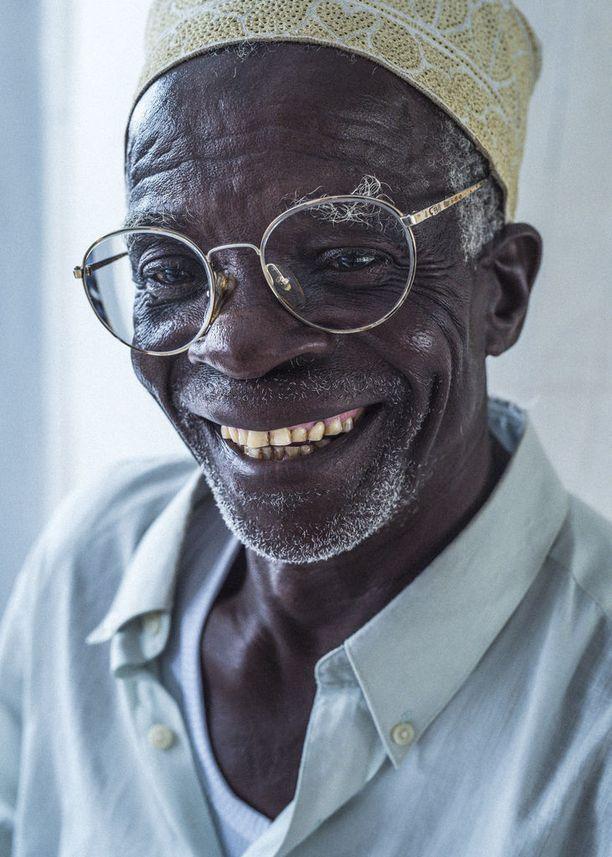 Kun sopivat lasit löytyivät, hymy oli usein herkässä.