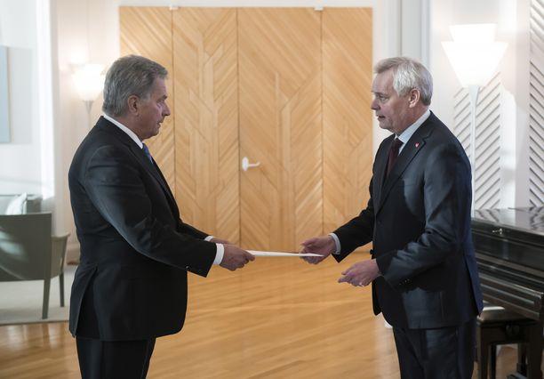 Pääministeri Antti Rinne jätti eronpyynnön presidentti Sauli Niinistölle 3. joulukuuta 2019.