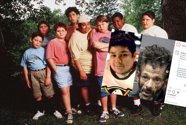 Shaun Weiss poseeraa vuonna 1995 otetussa kuvassa keskellä beigessä paidassa. Kuvassa hänen lisäkseen ovat David Goldman, Cody Burger, Max Goldblatt, Robert Zalkind, Aaron Schwartz, Kenan Thompson ja Joseph Wayne Miller.