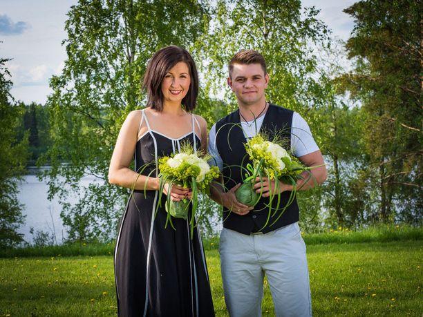 Kuvassa voittajat Tiina Pitkänen ja Keijo Hietikko.