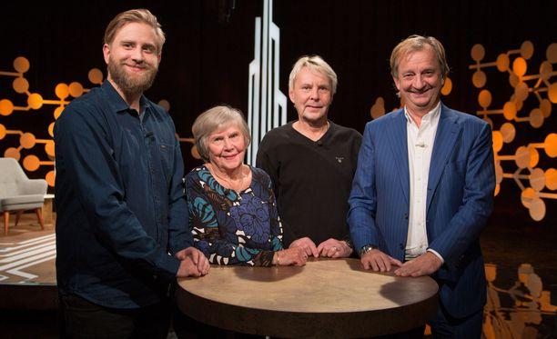 Joel ja Hjallis Harkimon vieraina sunnuntaina ovat Vieno ja Matti Nykänen.