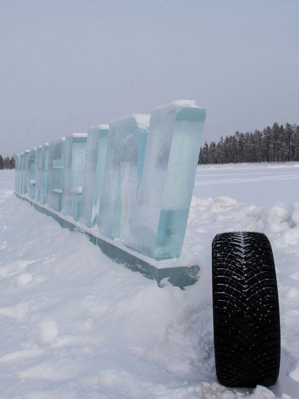 Uutuusrengas Michelin X-Ice North 4 esiteltiin kansainväliselle lehdistölle Arvidsjauressa Ruotsin Lapissa.