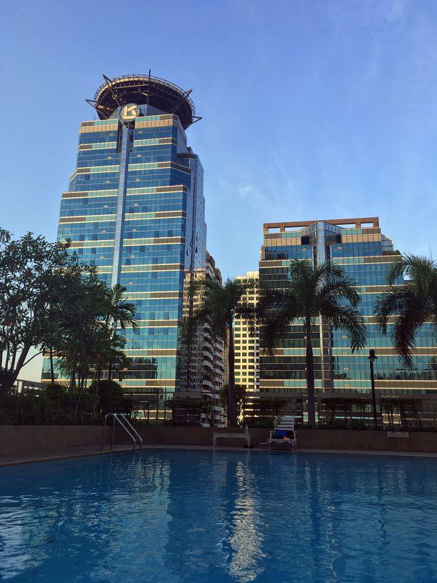 Salménin tuoreen kodin taloyhtiöön kuuluu uima-allas, jota Salmén käyttää säännöllisesti.