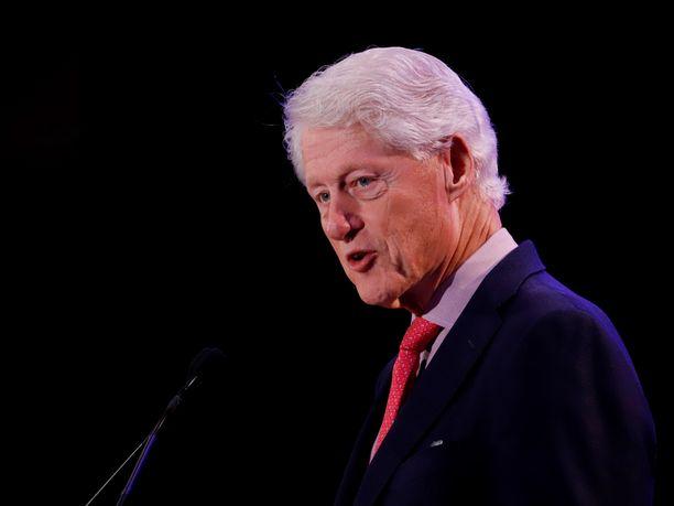 Yhdysvaltain entinen presidentti Bill Clinton on toistuvasti kiistänyt olleensa koskaan Jeffrey Epsteinin vieraana tämän yksityisellä saarella.