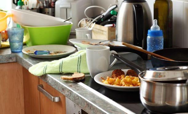 Todennäköisimpinä vahinkoina suomalaisissa kotitalouksissa pidetään arvokkaan irtaimen omaisuuden rikkoutumista ja vesivahinkoa.