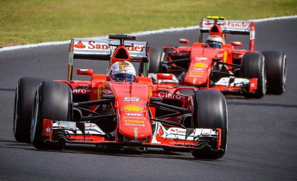Sebastian Vettel ja Kimi Räikkönen dominoivat Unkarin GP:ssä.
