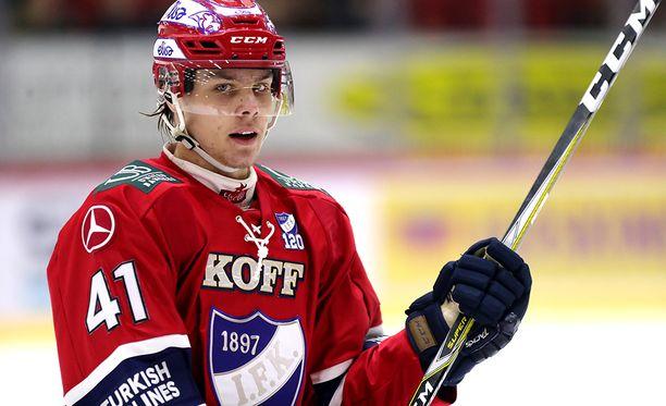 Nuori superpakki Miro Heiskanen on Liigan kirkkain tähti.