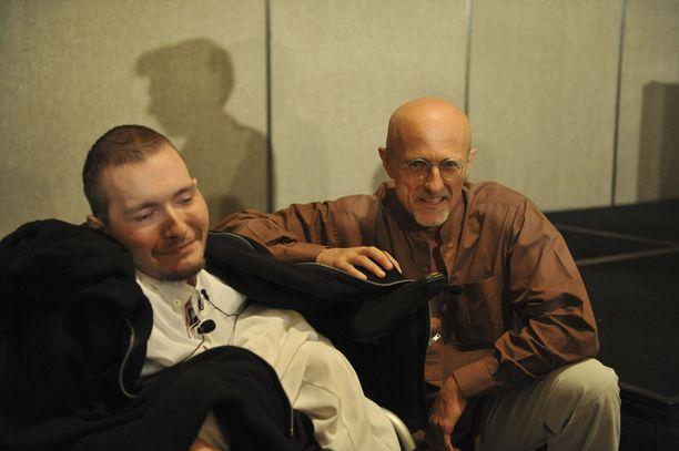 Spiridonov ja Canavero kertoivat suunnitellusta päänsiirtoleikkauksesta USA:n neurokirurgien konferenssissa Annapoliksessa