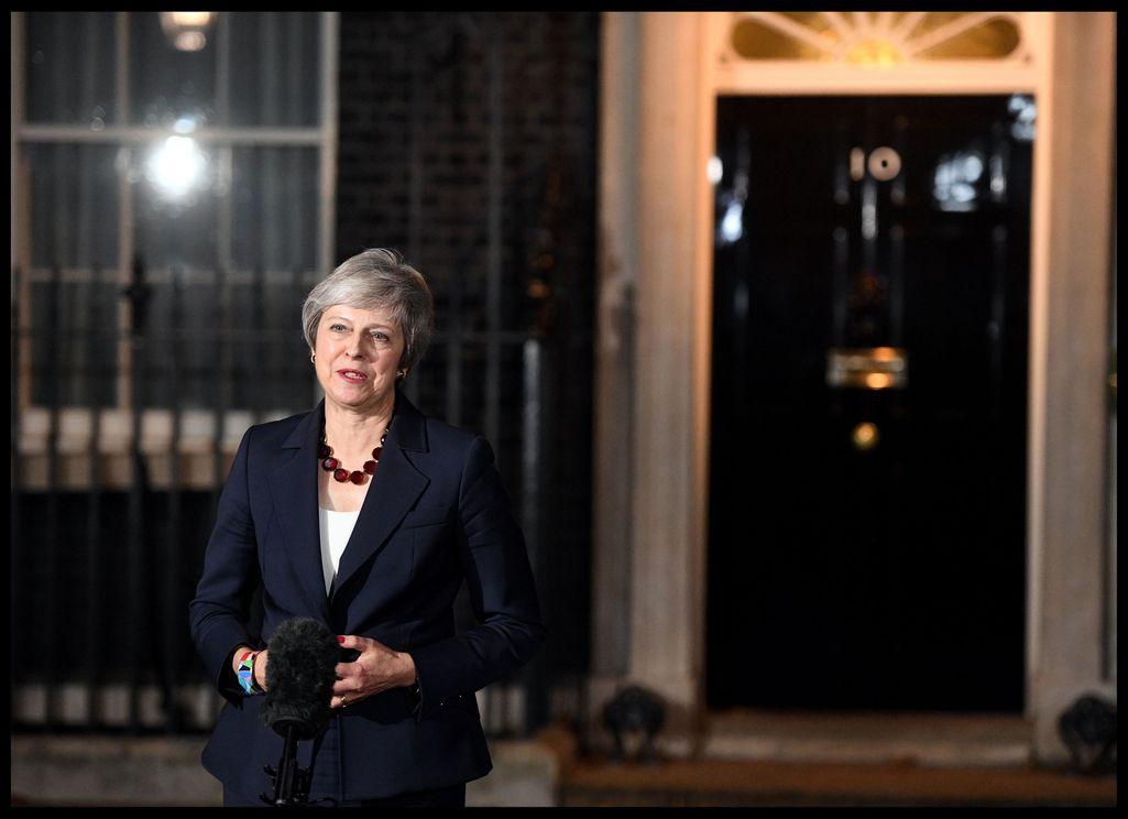 """""""Brexit ei ole sitä mitä luvattiin"""" - ministeripako alkoi, jo neljä eronnut"""