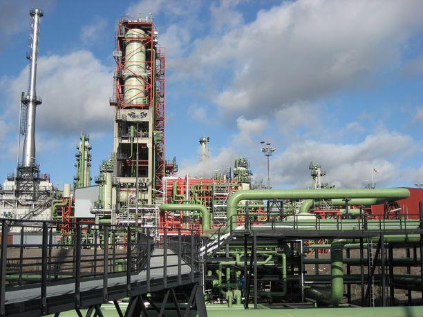 Nesteen Porvoon öljynjalostamo.