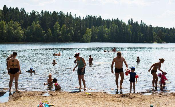 Uimavedet ovat varsin lämpimiä koko maassa.