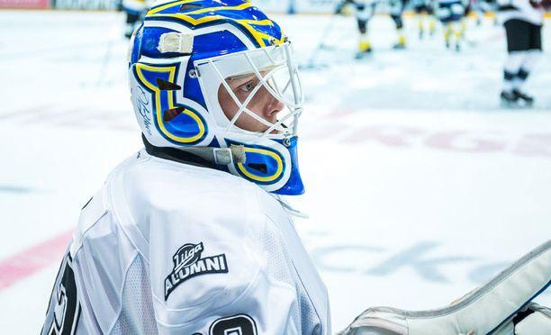 Ville Husso tavoittelee paikkaa NHL:stä St. Louisin harjoitusleirillä.