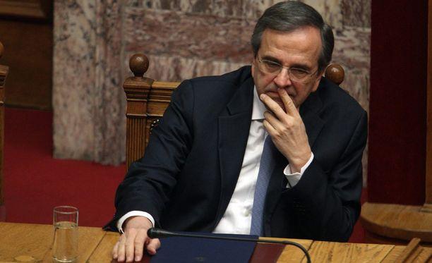 Pääministeri Antonis Samaras pyytää tänään presidenttiä virallisesti hajottamaan parlamentin.