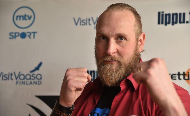 Robert Helenius sai sparrausvastustajakseen maailman parhaan nyrkkeilijän.