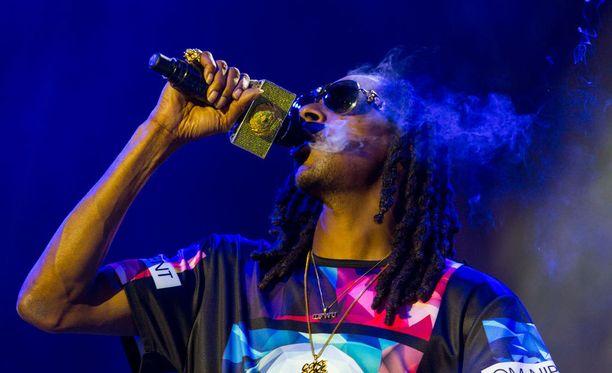 Snoop Doggin syntymäpäiväjuhlilla syttyi tulipalo.