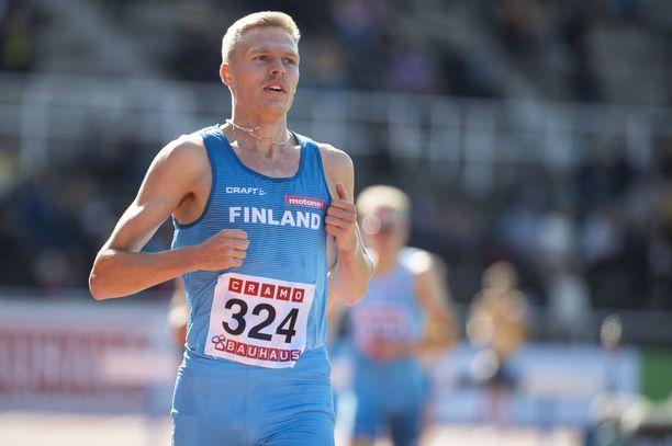 Topi Raitanen juoksi 3 000 esteissä maaotteluvoiton sunnuntaina Tukholmassa.
